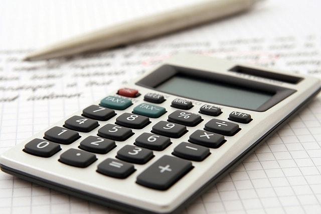accountant-1238598_640-min